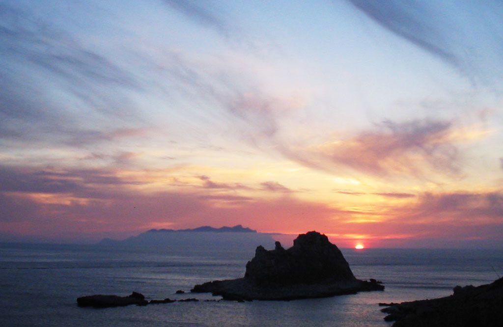 Faraglione al tramonto