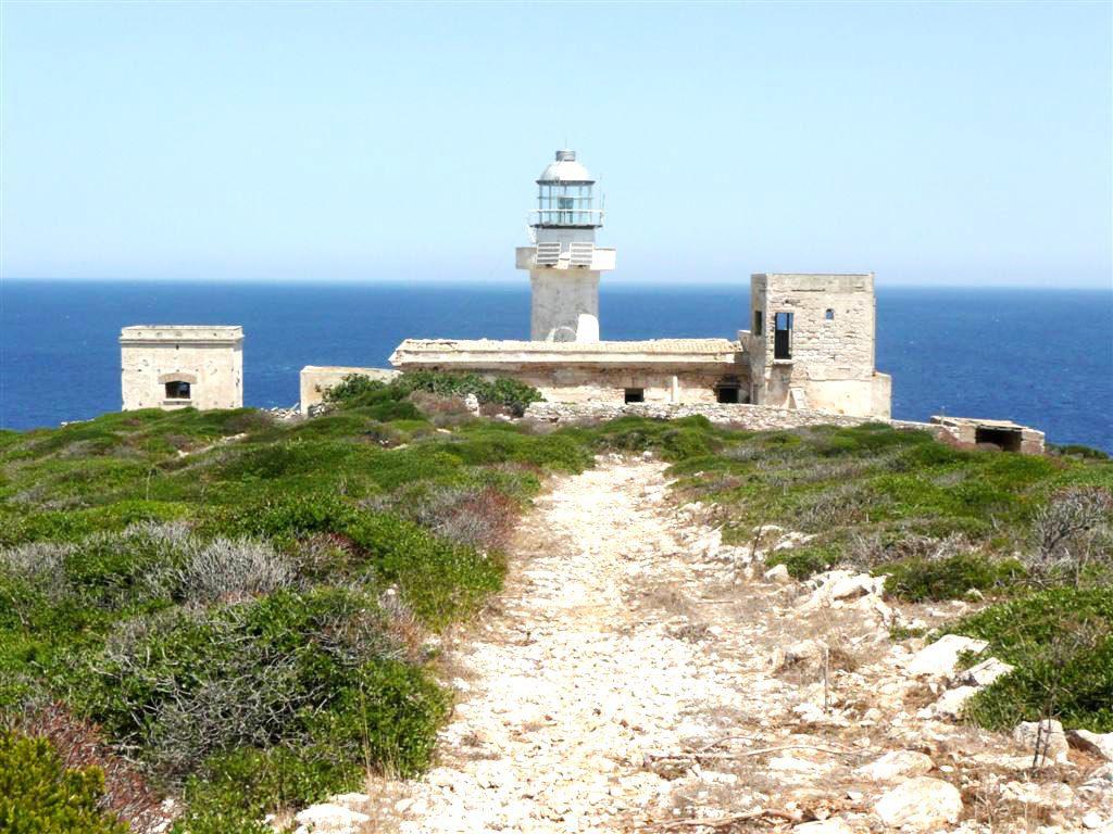 Faro di Capo Grosso
